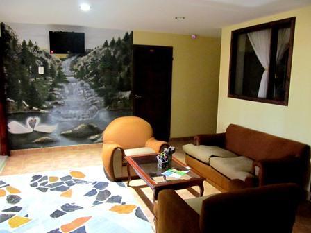 Hotel-Salinas-Plaza-Zipaquira-Colombia-14