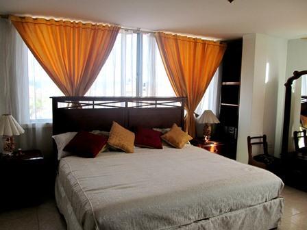 Hotel-Salinas-Plaza-Zipaquira-Colombia-15