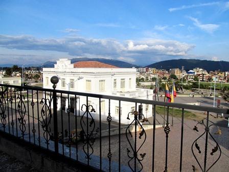 Hotel-Salinas-Plaza-Zipaquira-Colombia-22