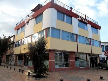 Hotel-Salinas-Plaza-Zipaquira-Colombia-30