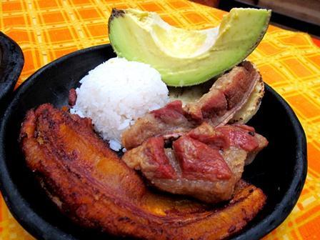 Restaurante-Bar-El-Cerro-Paisa-Zipaquira-Colombia-19