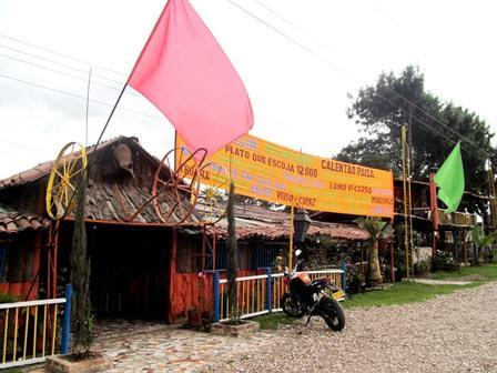 Restaurante-Bar-El-Cerro-Paisa-Zipaquira-Colombia-2