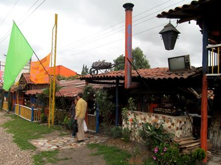 Restaurante-Bar-El-Cerro-Paisa-Zipaquira-Colombia-5