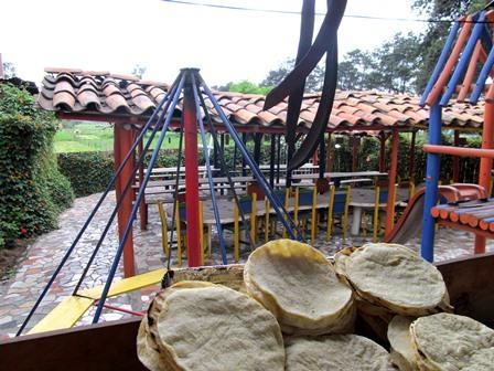 Restaurante-Bar-El-Cerro-Paisa-Zipaquira-Colombia-6